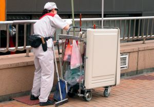 Sustainable procurement leads to cheaper and greener cleaning services in Portugal