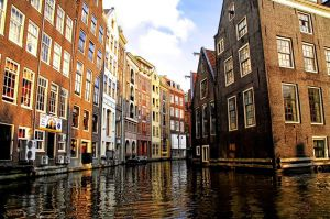 Amsterdam builds climate-neutral neighbourhood